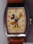 MickeyMouseWatch01.jpg