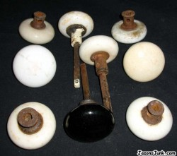 Porcelain_Door_Knobs_01